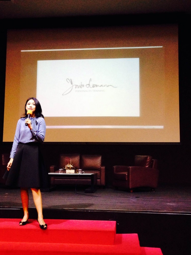 Business Insight and Community Kedatangan Finalis Putri Indonesia: Yovita Lesmana