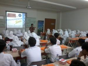 SMAMDA (SMA Muhammadiyah 2 Gresik) Belajar Psychopreneurship