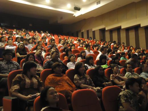 Para Orang Tua Mahasiswa IBM Tahun Angkatan 2011 di UC Auditorium