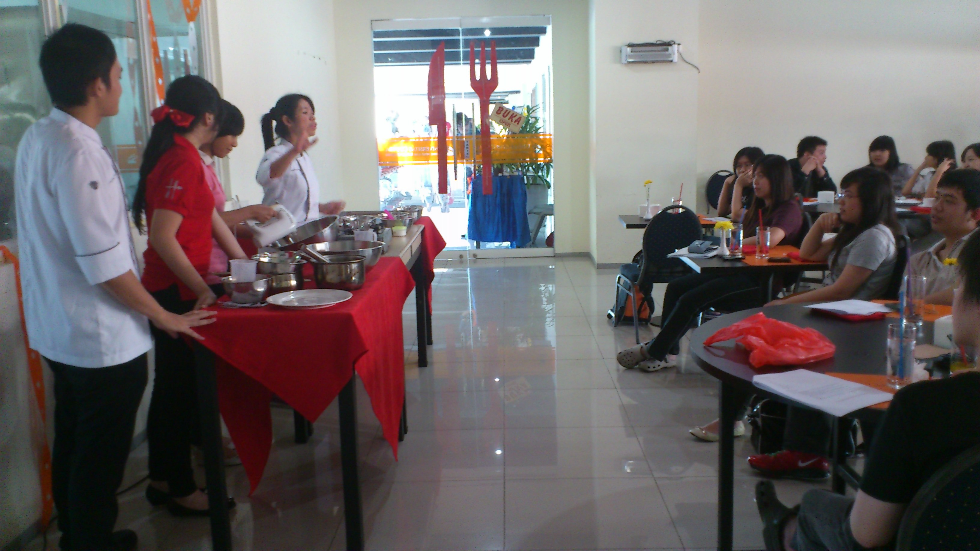 "Cooking Class dengan Tema ""Japanese Delight Cooking Class and Lunch"""