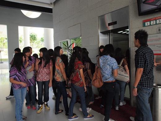 Kunjungan SMA Tri Tunggal