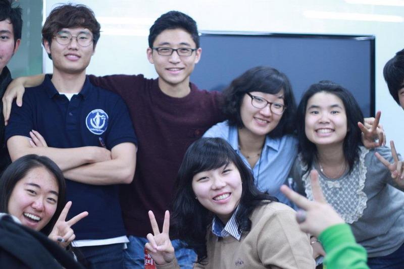 Mahasiswa UC Juara Debat di Korea