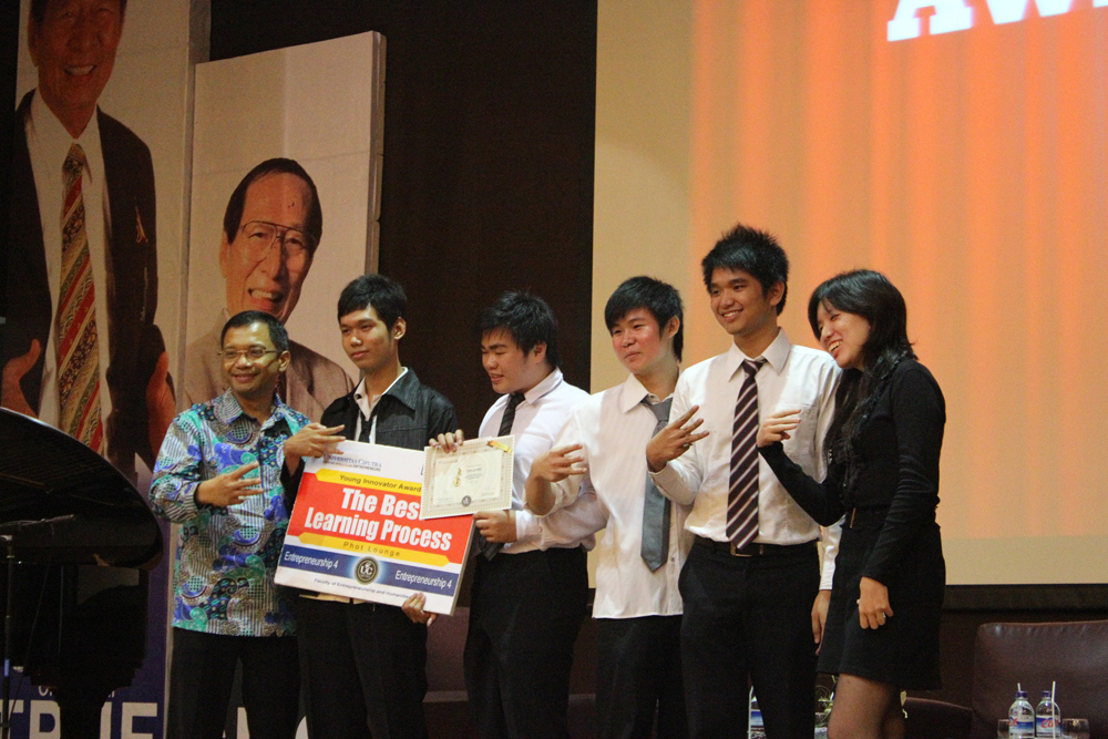 E4 Seminar, Award and Closing