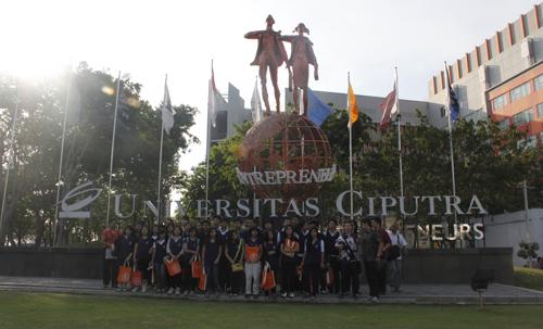 Kunjungan SMA Tunas Daud Denpasar