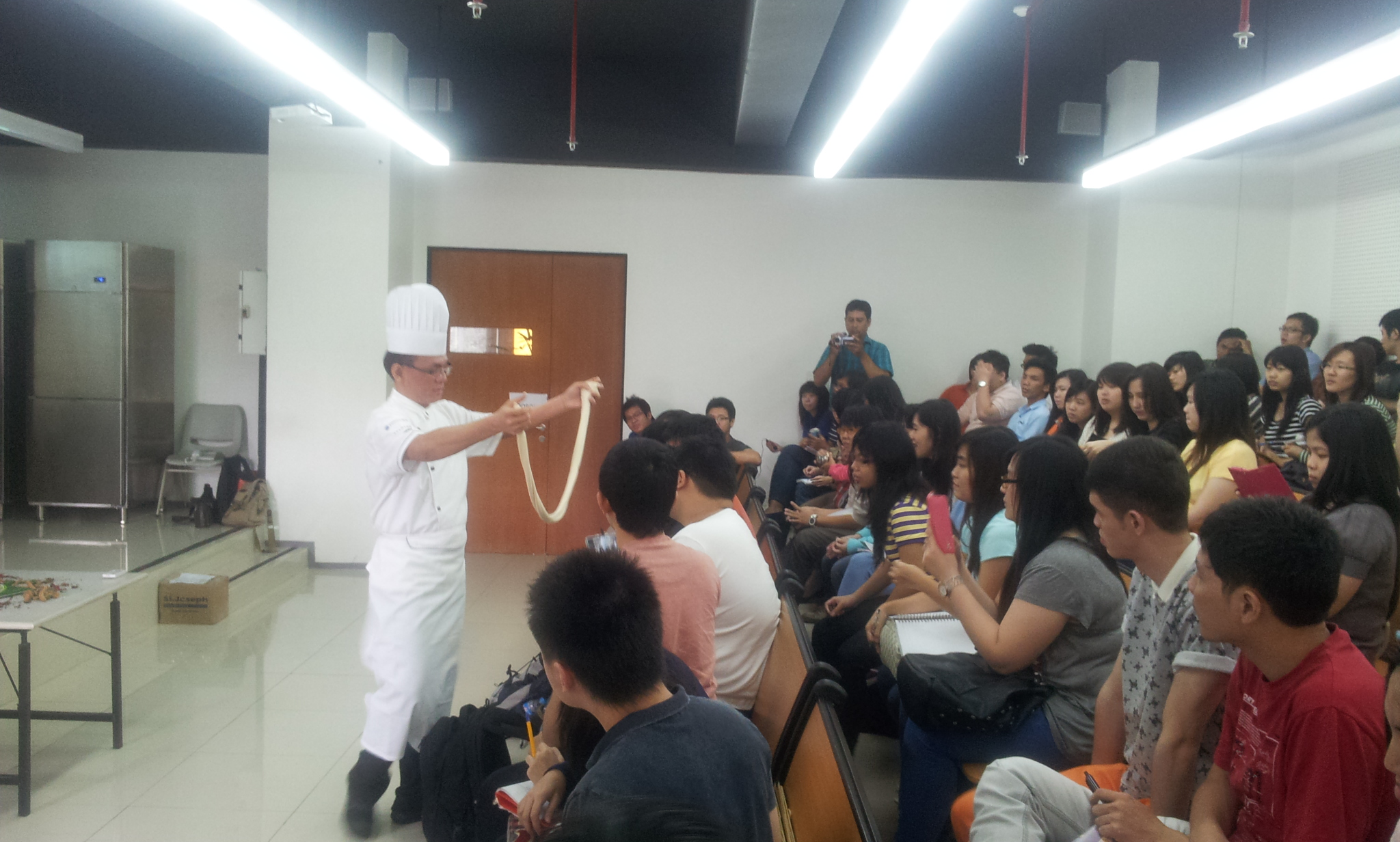 La Mien Demonstration by Chef McDonald Eng from At-Sunrice GlobalChef Academy Singapore