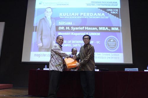 Kuliah Perdana S2 (batch 4) bersama Menteri Koperasi dan UMKM
