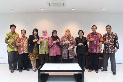 Tantangan Entrepreneur Indonesia Menghadapi AEC 2015