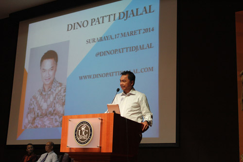 Dino Patti Djalal memberikan seminar untuk Mahasiswa-i Pascasarjana Universitas Ciputra