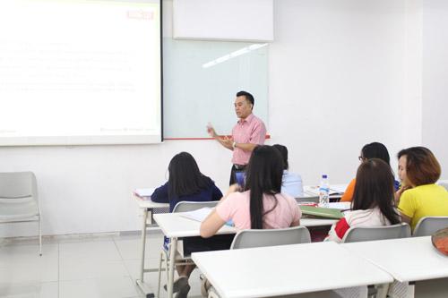 Tong Tji - Mahasiswa UC belajar observasi studi kasus tongtji