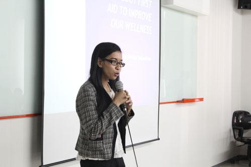 Herlina pembicara di Seminar PFA Improve Wellness