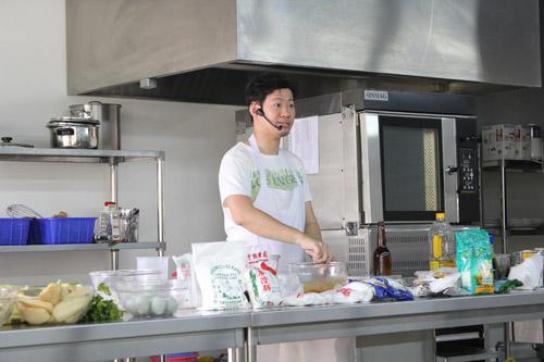 Super Mentor Class UC sesi presentasi dan penjelasan dari Chef Hugo