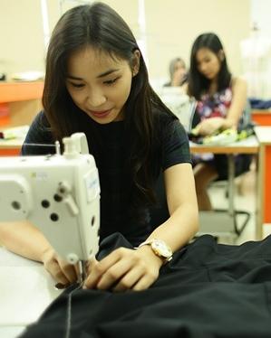 Bisnis Desain Fashion
