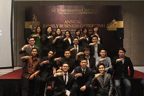 Mahasiswa Family Business